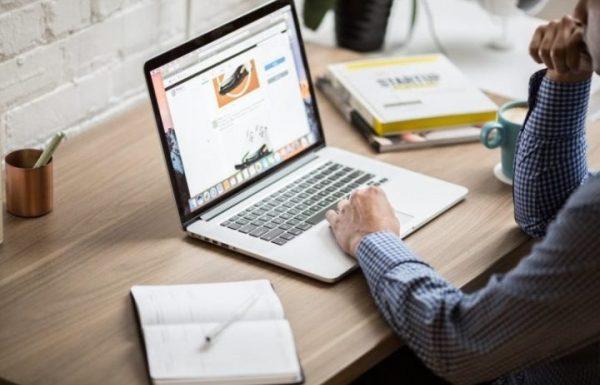 Как начинающему пользователю найти удалённую работу в сети?